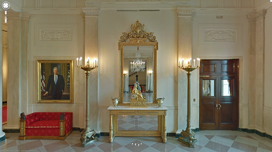 White House Foyer : Mirrors behind the curtain